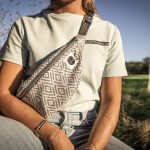 nhoia-hamburg-biobaumwolle-handgefertigt-t-shirt-pullover-hoodie-bumbag-gürteltasche-upcycling00006